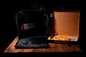 Mochila de reparto calefactable con caja de pizza